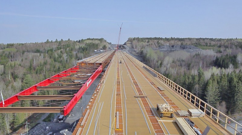 Construction of the Gilbert River Bridge in April 2014