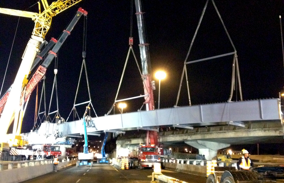 Des Laurentides Interchange: Watch a Video Showing the Erection of Box Girders