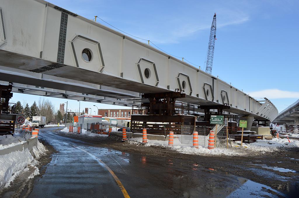 Le pont du canal de Lachine prend forme