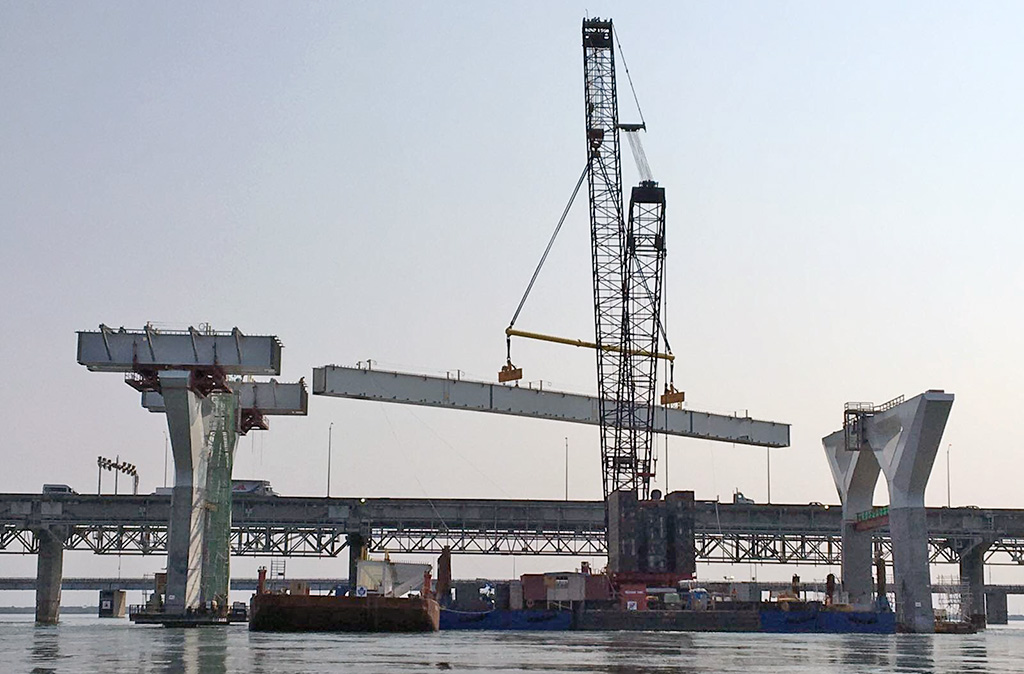 Canam Erects its First Box Girders for the New Champlain Bridge