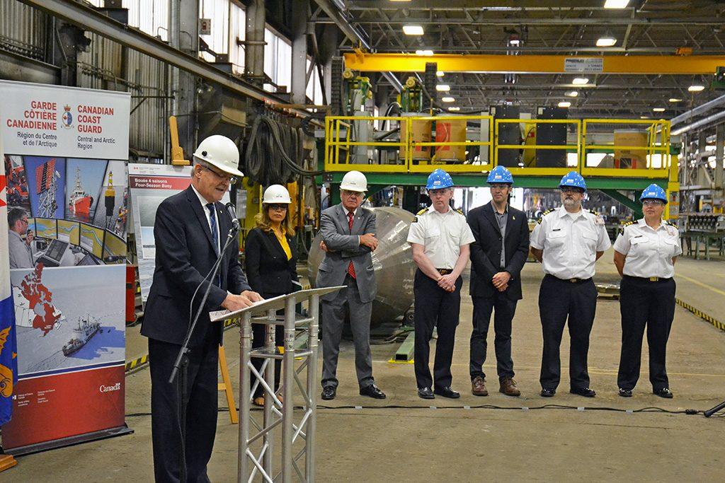 Canam-ponts fabriquera des bouées quatre saisons lumineuses pour la Garde côtière canadienne